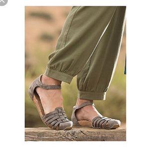 👡Ahnu women's Malini Mary Jane sandal 👡